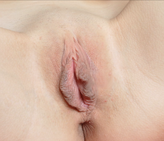 showing my pussy for the first time for all women here who love big labia
